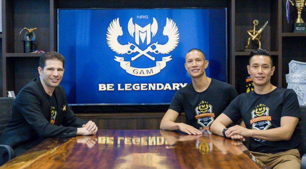 Randy Dobson, Chủ tịch CMG.ASIA cùng CEO NRG Asia - TK (Anthony) Nguyễn & COO Dru (Andrew) Nguyễn tại buổi ra mắt NRG Châu Á